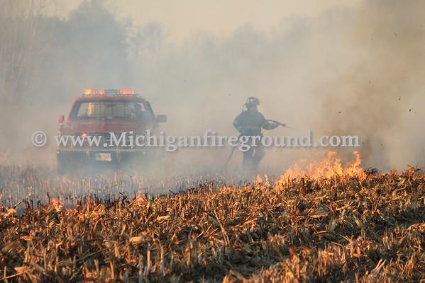 11/2/15 - Eaton Rapids Twp field fire, Bunker Hwy near Canal Rd