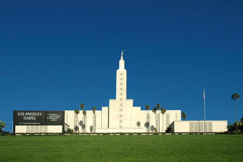 LA Mormon Temple 01.jpg