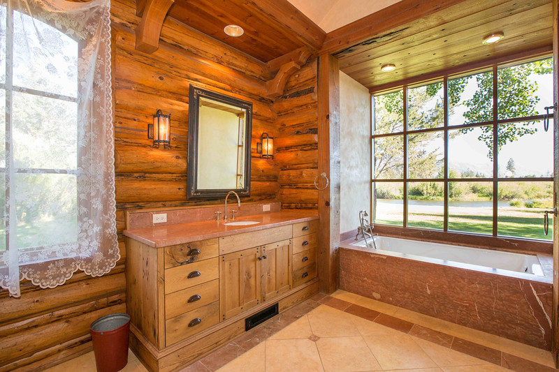 bathroom (1 of 1)-3.jpg