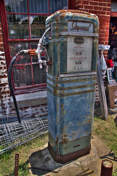 5340-Edit_gaspump.jpg