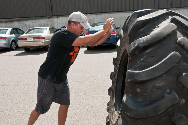 Strongman Saturday 4-14-2012_ERF4156.jpg