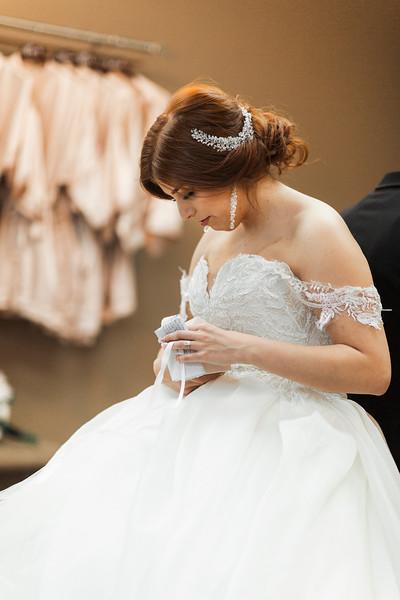 Alexandria Vail Photography Wedgewood Fresno Wedding Alexis   Dezmen246.jpg