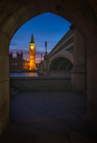 Westminster-Bridge-Gate.jpg