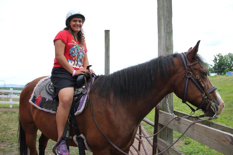 kars4kids_thezone_camp_girlsDivsion_activities_HorseBackRiding (22).JPG