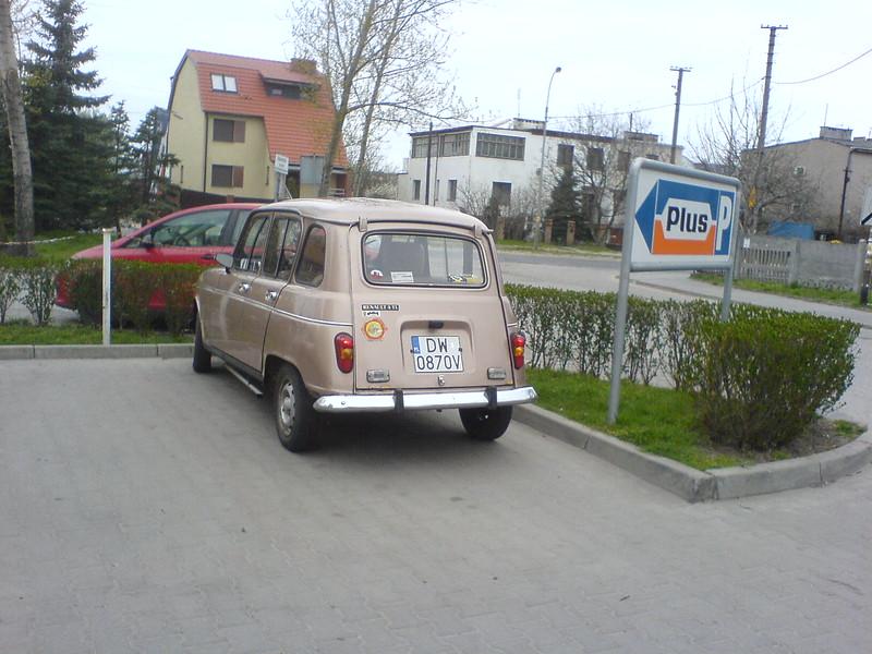 renault-4-11.JPG
