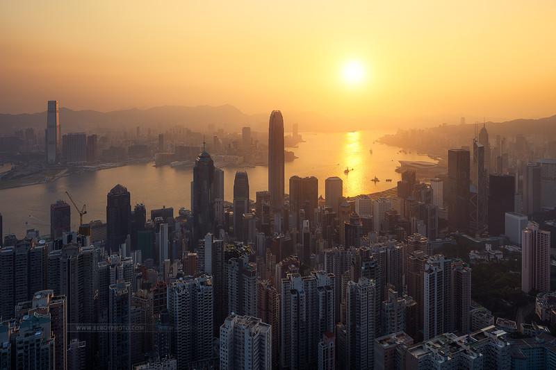HK sunrise soleil.jpg