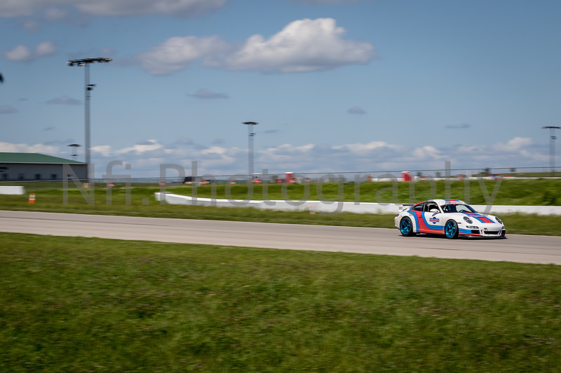 Flat Out Group 1-364.jpg