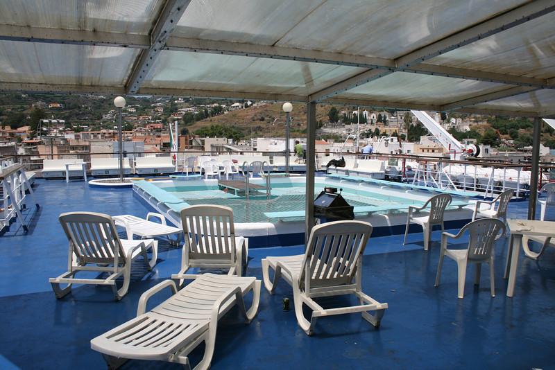2009 - On board LAURANA : swimming pool, deck 8.