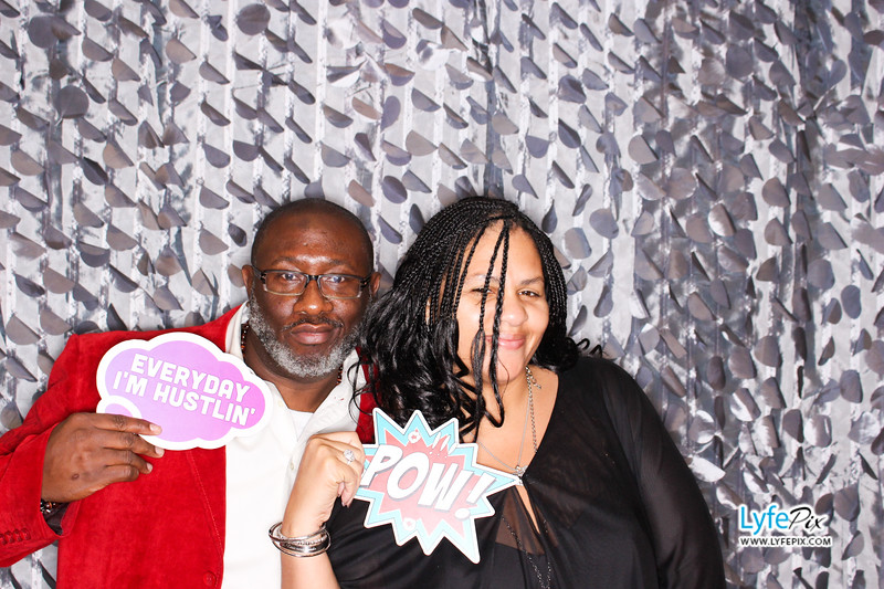 red-hawk-2017-holiday-party-beltsville-maryland-sheraton-photo-booth-0098.jpg