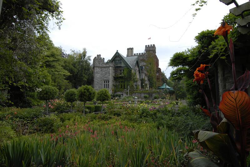 070903 8372 Canada - Victoria - Royal Road Castle and Gardens _F _E ~E ~L.JPG
