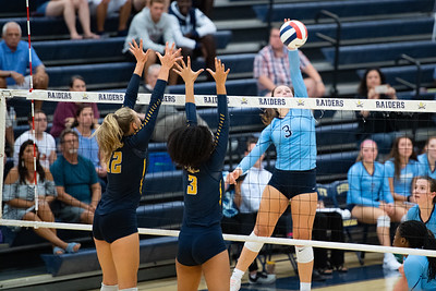 2018.08.30 Volleyball: Stone Bridge @ Loudoun County