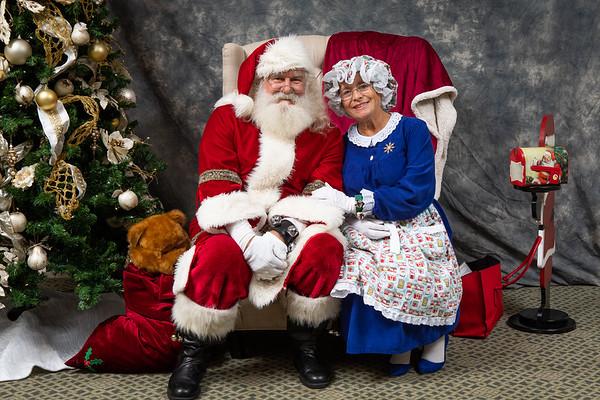 2018 12 31 CC Grey Oaks Brunch with Santa