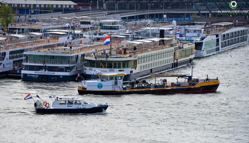 Amsterdam Harbour.jpg