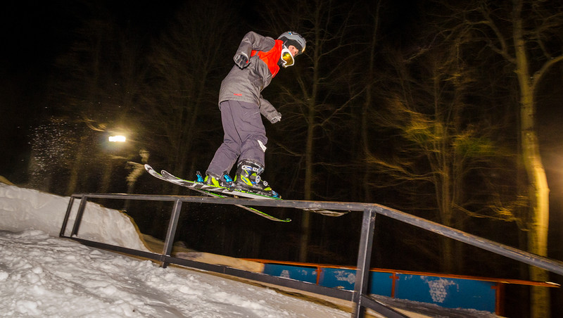 Nighttime-Rail-Jam_Snow-Trails-141.jpg