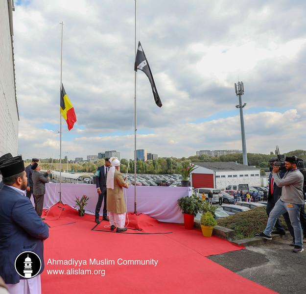 2018-09-14-BE-Jalsa-Flag-Hoisting-004.jpg