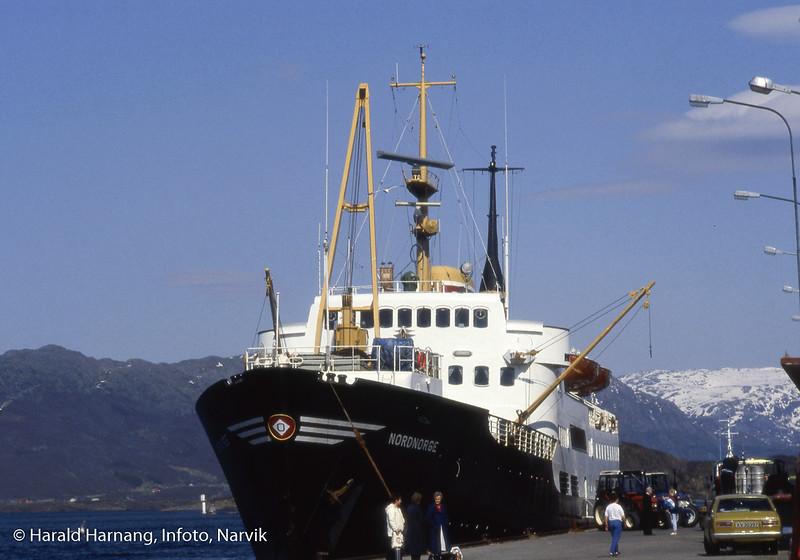 ODSs Nordnorge ved en eller annen havn mellom Harstad og Bergen. Foto fra turen da jeg skrev ODSs historiebok.