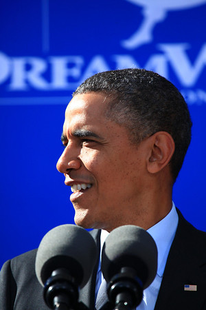 2013 Nov 26 President Obama visits Dreamworks