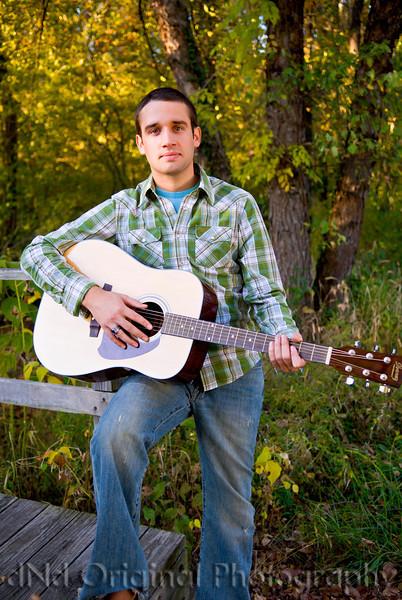 071 Craig White Senior Portraits darker.jpg