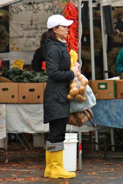 Beaverton Harvest Market 2011  3721.png