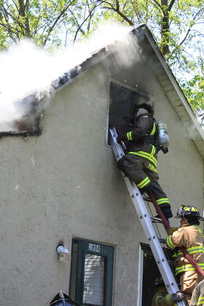 Zion Fire Dept Working Fire 013.jpg