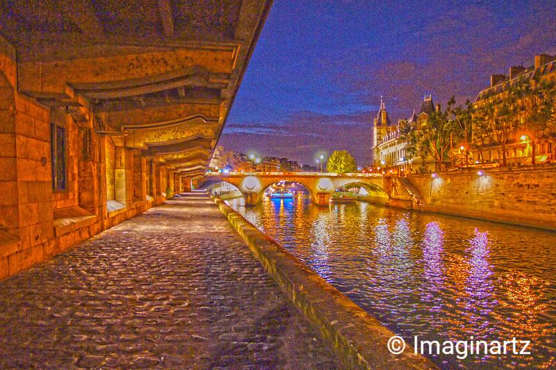 Nightime at The Seine, Paris