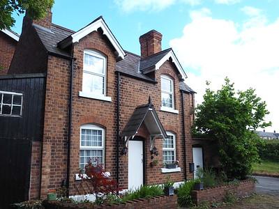 Browns Lane, Handbridge