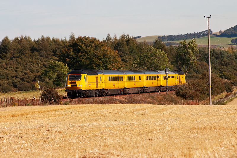 In full autumnal sunlight, 43013 leads the bright yellow Network Rail New Measurement Train at Bow of Fife.  The former passenger HST is running as 1Q23 1157 Aberdeen to Berwick.  43062 is on the rear.