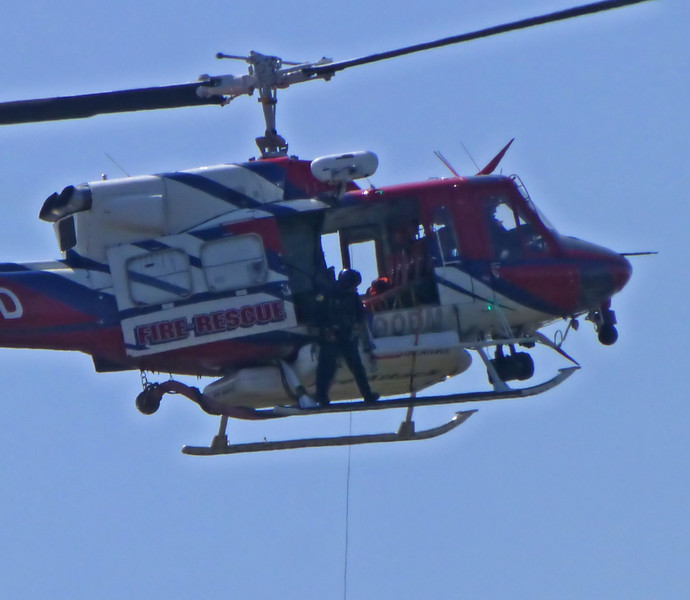 Letting cable SDFD helicopter