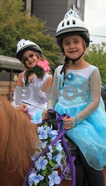Two girls, horses 1107c.jpg
