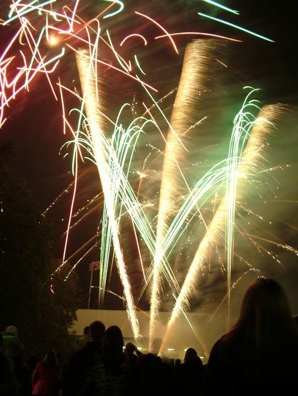 2004_1105putneyfireworks20019.JPG