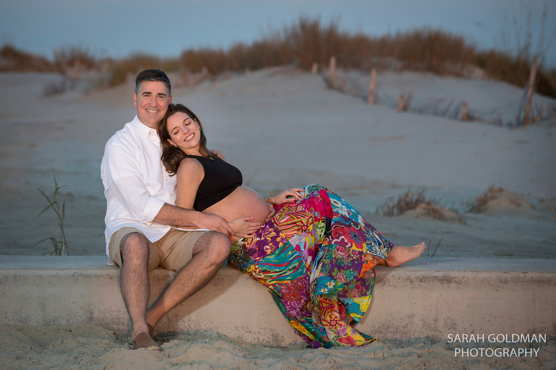 maternity-photos-at-the-beach (56).jpg