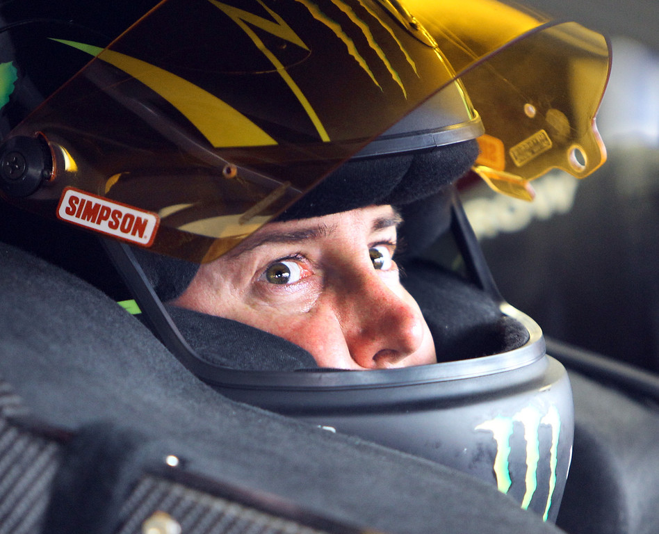 . Kurt Busch gets ready for the final practice before Sunday\'s NASCAR Sprint Cup auto race at New Hampshire Motor Speedway, Saturday, July 13, 2013 in Loudon, NH (AP Photo/Jim Cole)