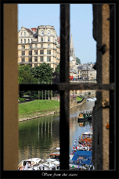 View down river from North Parade bridges stairs (80341112).jpg