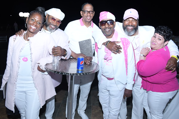 SMB Goes Pink and White