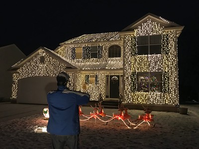 Wadsworth family goes full Griswold for Christmas