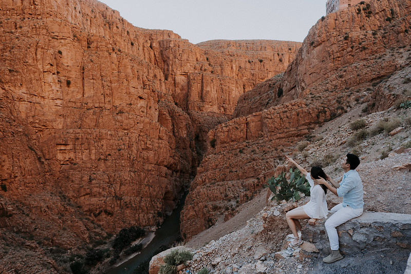 Tu-Nguyen-Destination-Wedding-Photographer-Morocco-Videographer-Sahara-Elopement-202.jpg