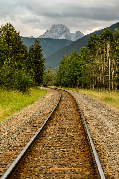 Train tracks in Canmore (25-30 trains a day).
