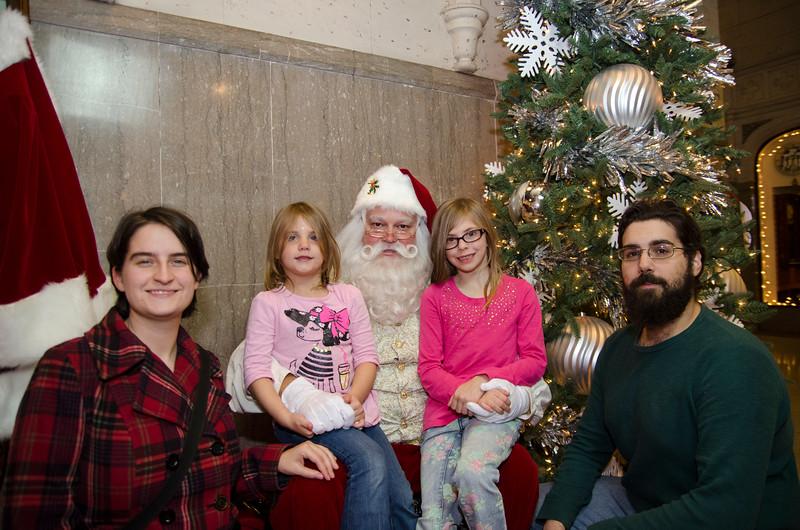 Santa at Grove_41.JPG