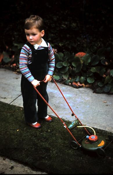 1960-5 (2) Andrew Swan 2 yrs 5 mths.JPG