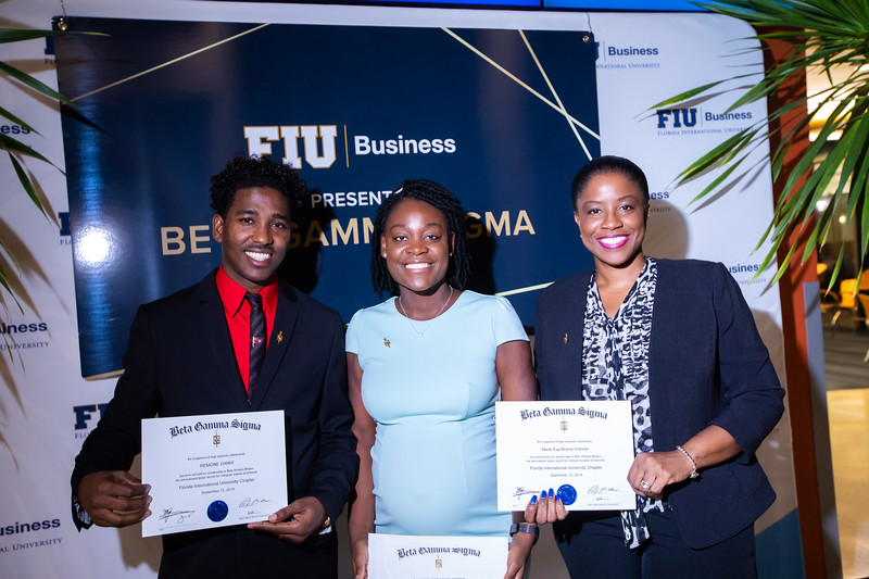 FIU Beta Gamma Sigma Ceremony 2019-132.jpg