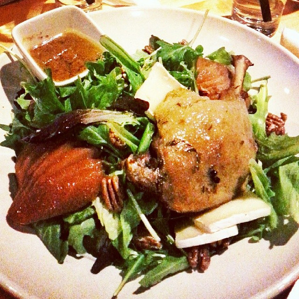 Last_dinner_in_Jasper_is_my_favourite._Crispy_duck_leg_salad_at__JasperBrewing_much_thanks_to_Adrian_for_the_recommendation.__MyJasper.jpg