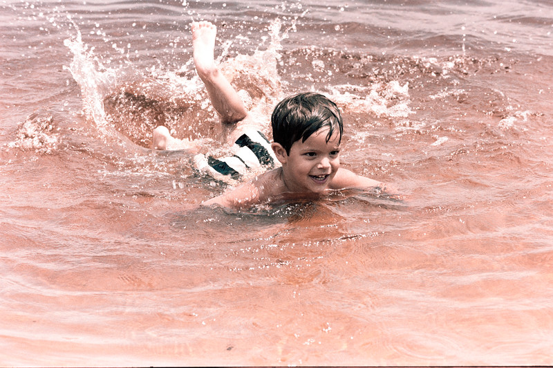 1978-5-14 #4 Erica At Beach.jpg