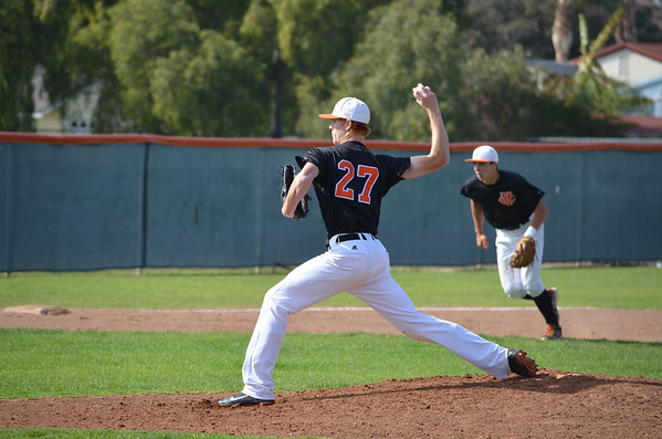 VC-Baseball_vs_Cuesta-031913