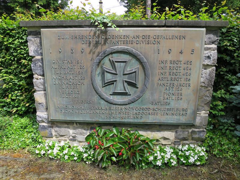 Erebegraafplaats Neheim