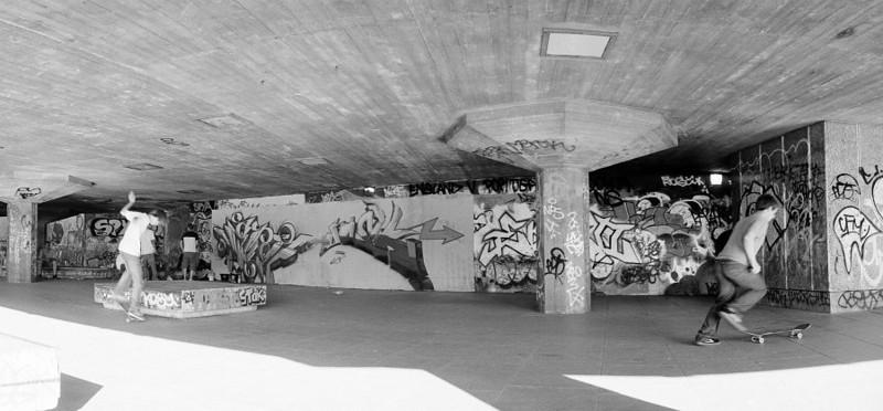 skateboarding near the thames