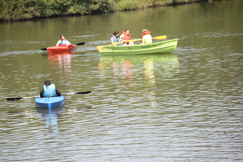 kars4kids_thezone_camp_girlsDivsion_activities_boating (29).JPG