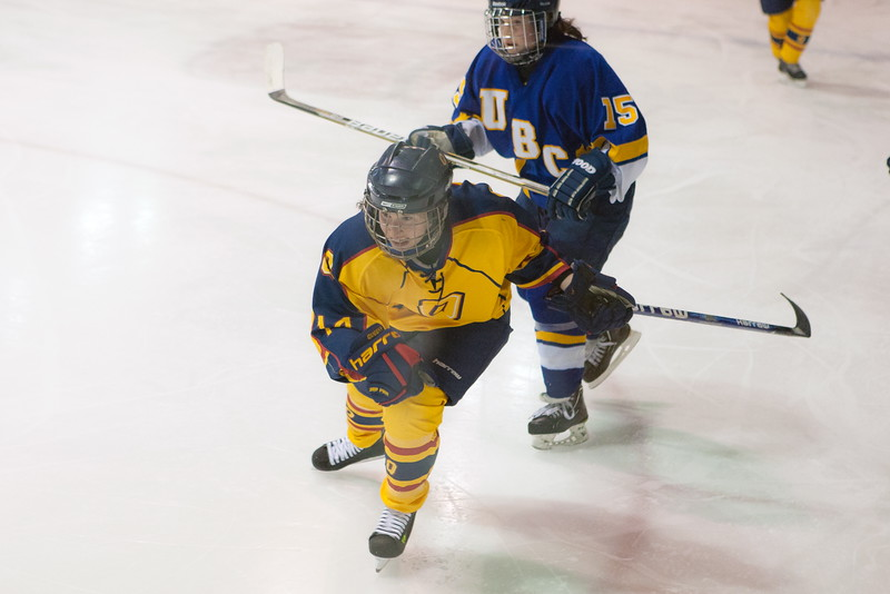 20130310 QWHockeyvsUBC 387.jpg