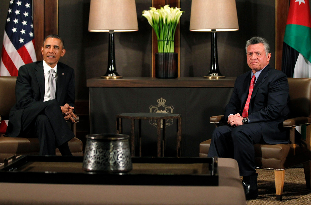 . U.S. President Barack Obama (L) participates in a bilateral meeting with Jordan\'s King Abdullah II at Al-Hummar Palace, in Amman March 22, 2013. REUTERS/Jason Reed