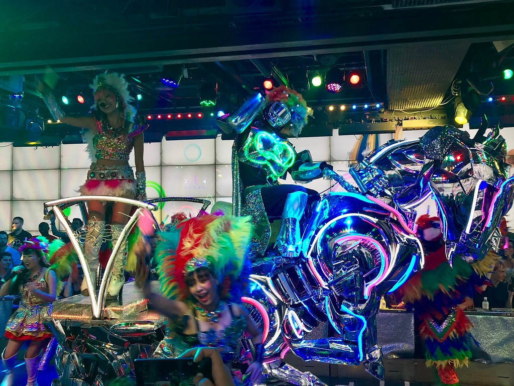 Horse-shaped robots and samba costumes.