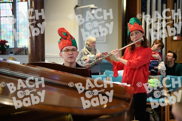 ©Bach to Baby 2017_Stuart Castle_Sevenoaks_2017-12-19-36.jpg